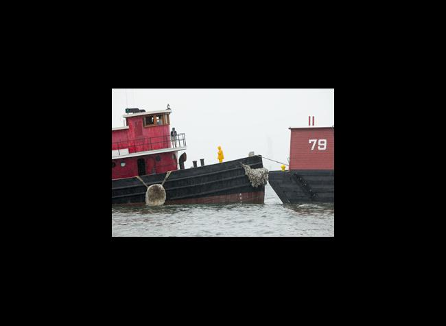 Tug Pegasus pulls Lehigh Valley #79 out of Red Hook